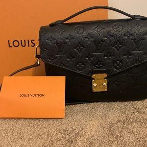 Louis Vuitton Pouchette Metis